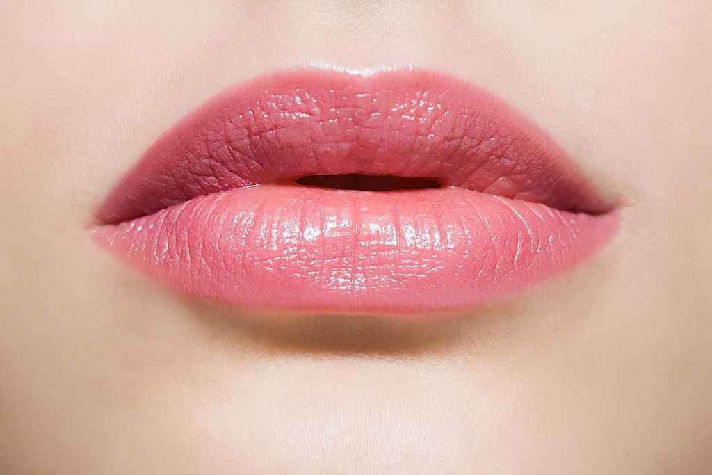 how to make lips naturally pink