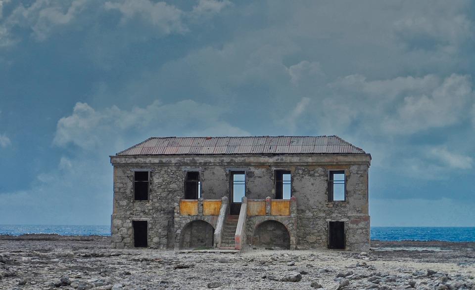 A deserted house near a sea