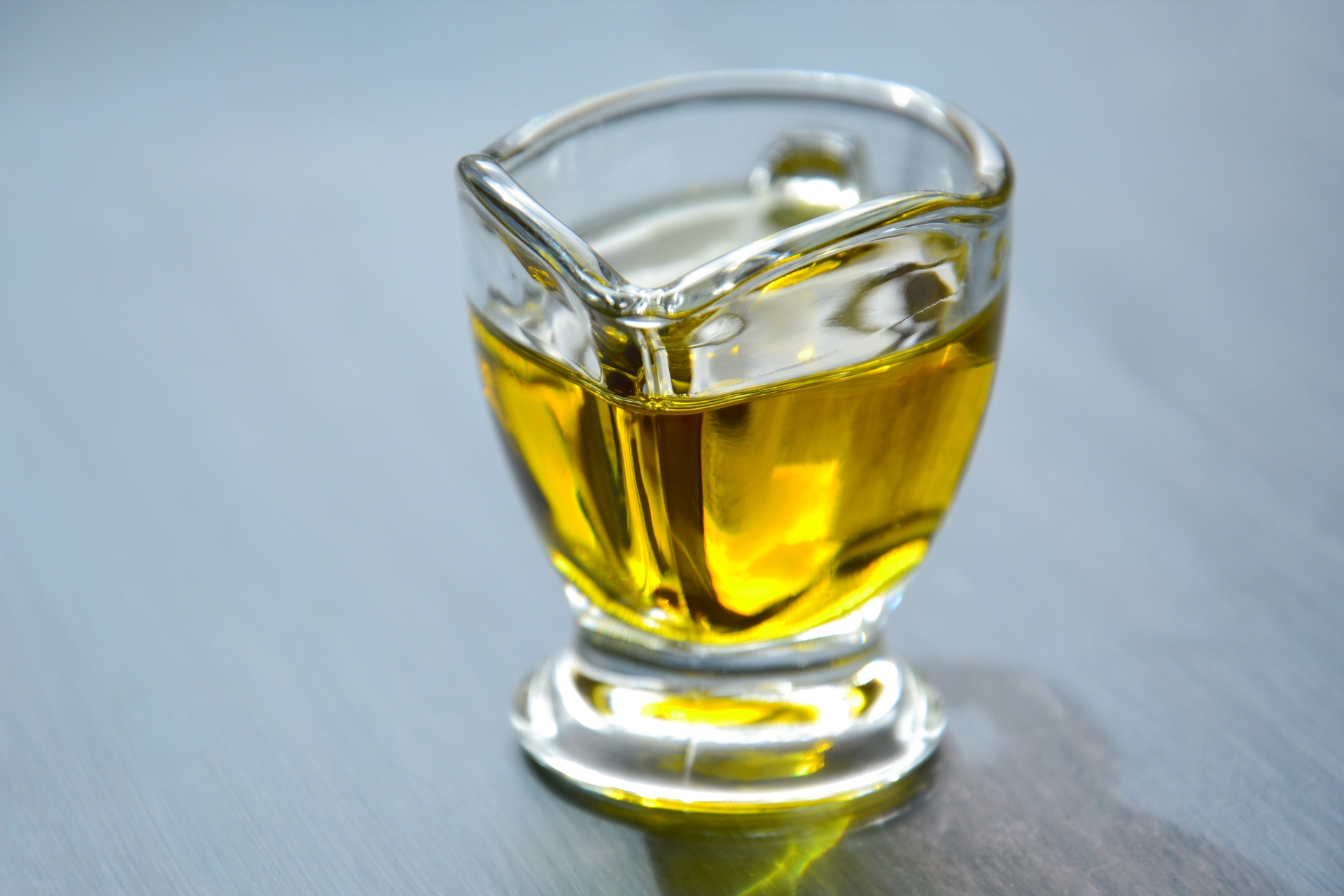 Nutrition Facts and Benefits of Wheat Germ Oil