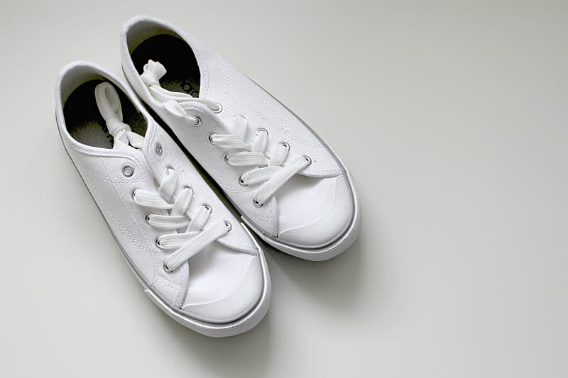best ways to clean white shoes
