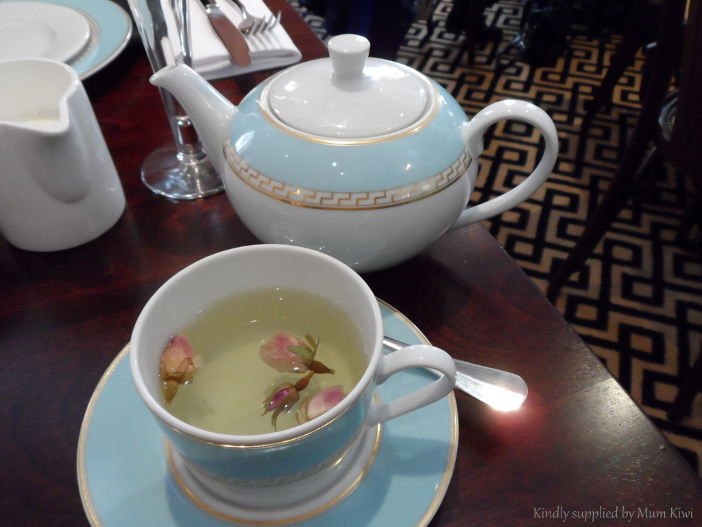 rose tea for hydration and weight loss