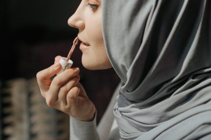 lip plumping serum