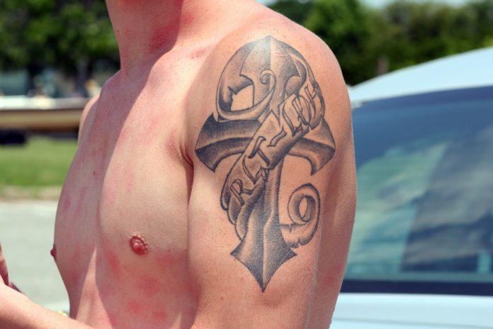 masculine tattoos (anchor tattoo)
