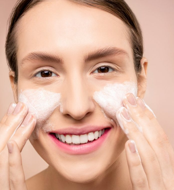 Face Washes For Dark Spots